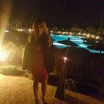 La piscina exterior del hotel