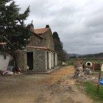 """Arrivée du """"Chateau Belvize"""" ou plutôt une ferme en travaux... quelle déception"""