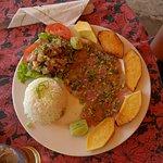 Carpaccio de thon, riz et frites de uru