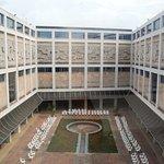 El Museo Nacional de Bellas Artes, data de 1954 y sigue los codigos de la arquitectura racionali