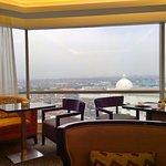 Lobby Lounge at JW Marriott Hotel Surabayaの写真