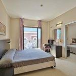 Photo of Hotel Mareluna