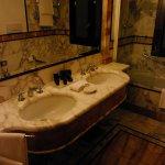 Potret Baglioni Hotel Luna