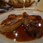 Foie gras poêlé aux pommes chambertoises