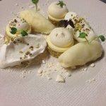 Meringue crousti-moelleuse à la feuille de lime/pistache/yuzu