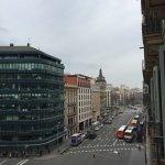 Photo de H10 Universitat Hotel