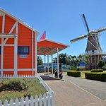 Dutch Oven & Windmill - Foxton CBD