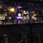 Photo de Handlebars Restaurant & Saloon