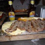 """Esta """"tablita"""" se llama COMPLETO o algo similar, consiste en un buen trozo de carne, maduro y ar"""