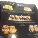 揚げたフライド寿司も人気です!
