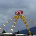 Photo de Riverfront Motel & Villas