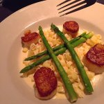 Scallops, lobster Mac & Cheese with NO LOBSTER, and totally unseasoned asparagus.