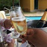 Carta de Vinhos e Champanhe (tem taxa de rolha, caso leve)