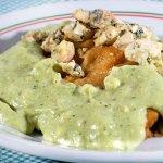 Filé D'Angelo - Filé mignon empanado, creme de espinafre, gorgonzola, arroz e purê de batatas.