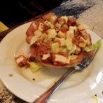 TARTARE DE TOMATES & GUACAMOLE : Tartare de tomates, guacamole, tortillas-chips