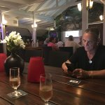 Harry's Restaurant & Bar
