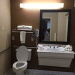 Pictures of the entry and the handicapped accessible room