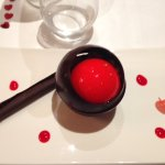 dessert proposé à l'occasion de la Saint Valentin accompagné d'un thé earl grey à l'azote liquid