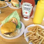 Chesse-burger frites