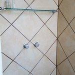 baño muy rustico, pero moderno, diseñado con un muy buen gusto