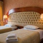Alexios Hotel & INN