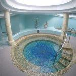 Spa pool area. Hot tub, bubble bath, 2 roman baths, cold tub, sauna