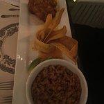 Excelente la comida, muy variada la carta . La sangría espectacular me gustó mucho el lugar