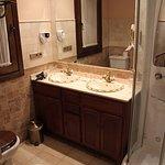 Hotel Posada Del Toro - bathroom