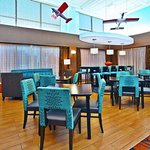 Photo de Hampton Inn Chicago-Midway Airport