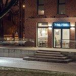PING PONG znajduje się na terenie Garnizonu Kultury w Gdańsku Wrzeszczu w miłym sąsiedztwie.