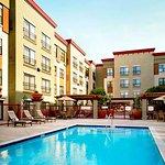 Photo de Residence Inn Los Angeles Burbank/Downtown