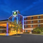 Photo of Holiday Inn Express & Suites Ann Arbor