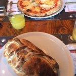Un pizza calzone et une pizza 4 fromages ! Rien à redire, vraiment très bonnes et très consistan