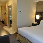 Photo de Holiday Inn Express Barrie