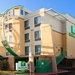 Welcome to Holiday Inn Oceanside Marina Camp Pendleton Area!