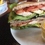 Pitabrot mit Avocado & Poulet