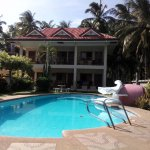 just aview of the main building and pool. You gotta go there to really appreciate what agreat pl