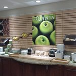 Photo de La Quinta Inn & Suites Bakersfield North