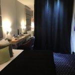 מלון מהמם! המלון ממש דקה מהמדרחוב, מיקום מעולה. השירות מאוד מקצועי והצוות מאוד שירותי ונעים. האר