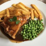 Steak pie & chicken mains