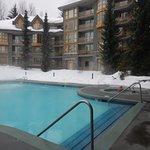Heerlijk groot verwarmd zwembad