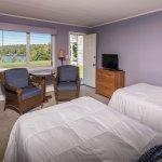 Crescent Lake Inn & Suites Foto