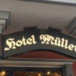 Photo de Hotel Mueller