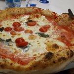 Margherita con pomodorini(impasto semplice)