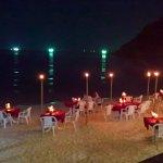 bbq fish les pieds dans le sable au salad beach resort