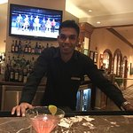 Excellent staff, beautiful hotel and fast service. Thanks Mr. V, Abraham @ the bar and Caesar va