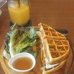 Photo de i-Kroon Cafe & Hotel