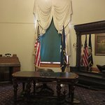 Inside the one-time governor's office