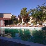 Vista de la piscina del Hotel Ucaima.