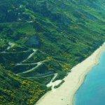 stradine che portano giù dalla Panoramica al mare